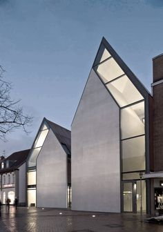 Volksbank Gifhorn by Stephan Braunfels Architekten (DE)