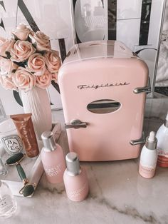 Skin Fridge Pink skin fridge Skin care essentials skin fridge essentials Skin care products Blondie in the City by Hayley Larue Oily Skin Care, Face Skin Care, Skin Care Tips, Skin Care Products, Beauty Products, Pixi Beauty, Beauty Skin, Skin Care Routine For Teens, Tips Belleza