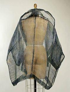 Curated fashion inspiration for your next favorite look Unique Fashion, Retro Fashion, Fashion Design, Opera Coat, Romeo Gigli, Metropolitan Museum, Clothing Patterns, Textile Fabrics, Style Inspiration
