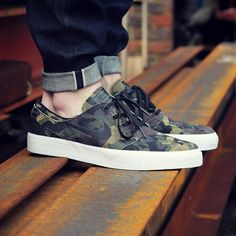 The Nike SB Stefan Janoski Premium HT Shoes in this strong camo version...