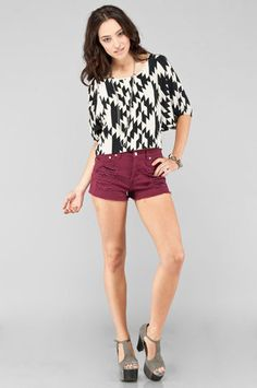i love this whole outfit. Especially the shorts!