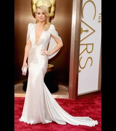 Kate Hudson looks aMAZing in her 2014 Oscars gown. <SIGH>