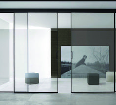 Die scheinbar schwebenden Schiebetüren von RIMADESIO werden maßgenau den Räum… The seemingly floating sliding doors by RIMADESIO are adapted to the exact dimensions of the premises. Sliding Door Design, Room Door Design, Sliding Glass Door, Glass Doors, Internal Sliding Doors, Sliding Closet Doors, Sliding Wardrobe, Wardrobe Doors, Traditional Doors
