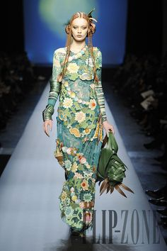 Beautiful color combination~Jean Paul Gaultier Spring/Summer 2010 Couture Persephone, goddess of flowers/spring Jean Paul Gaultier, Paul Gaultier Spring, Couture Fashion, Fashion Art, Runway Fashion, High Fashion, Womens Fashion, Fashion Design, Emo Fashion