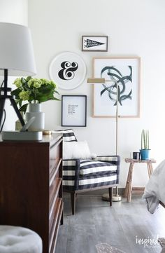 Organized and Stylish Bedroom Gallery Wall Farmhouse Style Bedrooms, Modern Farmhouse Interiors, Farmhouse Bedroom Decor, Gallery Wall Bedroom, Stylish Bedroom, Rooms Home Decor, Decorating Ideas, Decor Ideas, Bedroom Inspiration