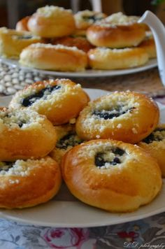 Czech Recipes, Bagel, Doughnut, Cooker, Sweet Tooth, Food And Drink, Sweets, Bread, Basket