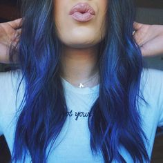 Arctic Fox hair color is vibrant, long-lasting, semi-permanent hair dye that is made in the USA. Hair Inspo, Hair Inspiration, Color Fantasia, Arctic Fox Hair Color, Trendy Hairstyles, Wedding Hairstyles, Teenage Hairstyles, Foto Real, Hair Color Blue