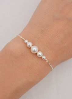 Set of 6 Pearl Bracelets, 6 Bridesmaid Sterling Silver Bracelets, Floating Pearl Bracelet, Pearl Bridesmaid Bracelets 0309 - Trend Jewelry Model 2020 Pearl Jewelry, Wedding Jewelry, Beaded Jewelry, Jewelery, Silver Jewelry, Wedding Rings, Silver Ring, Silver Earrings, Turquoise Jewelry