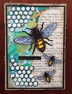 De bijen zijn een van mijn favoriete stempels, ze blijven leuk!!! The bees are one of my favourite stamps, they are so cute!!! Myra ... Gelli Plate Printing, Bee Cards, Postcard Art, Bee Theme, Animal Cards, Artist Trading Cards, Art Journal Pages, Card Tags, Tag Art