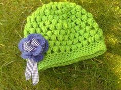 Beautiful crochet puff stitch hat -- tutorial by LadybugGreen