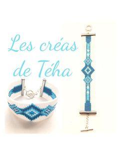Très joli bracelet tissé blanc et bleu en perles miyuki japonaises. Les perles blanches et grises sont nacrées et les perles noires et bleues brillantes. Longueur: 18,5 cm mais je peux faire ce bracelet sur mesure, à la longueur que vous souhaitez. Largeur: 2,5 cm Ce modèle