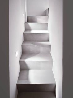 lights and shadows - continuous covering resin effect #concrete #microtopping #staircase http://www.idealwork.com/Micro-Topping-Features-and-benefits.html