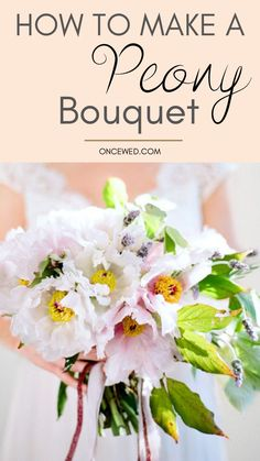 Want to easily DIY your wedding bouquet? This DIY peony bouquet tutorial will help you arrange a gorgeous wedding floral bouquet within minutes! #diyweddingbouquet #diyweddingfloral #weddingfloralarrangement