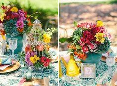 Un mariage tout en couleurs, une déco qui donne la joie de vivre, une table de mariage parée de couleurs pétillantes et de bouquets de roses fleuries...