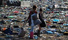 Glastonbury festival declares war on plastic water bottles