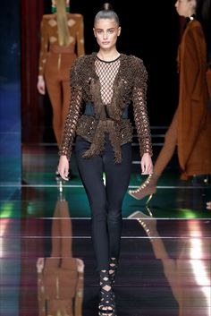 Taylor Hill - Vogue