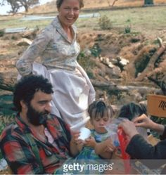 Little House on the Prairie (behind the scenes) Laura Ingalls Wilder, Victor French, House 2, House Pics, Ingalls Family, People's Friend, Michael Landon, Old Tv Shows, Classic Tv