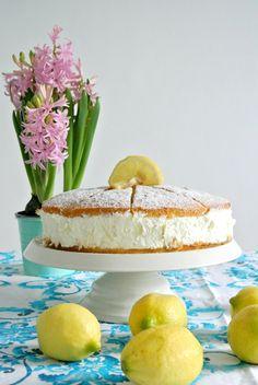 Zitronen Quark-Sahne Torte auf reichhaltgem Boden (nach Dr. Oetker) - http://franciscupcakes.blogspot.de/2015/06/zitronen-quark-torte-nach-dr-oetker.html