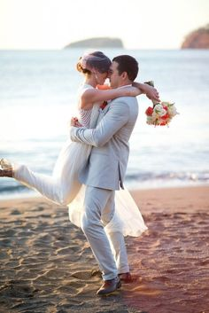 Photo de couple à la plage - mariage à la plage
