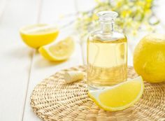 Homemade Foot Scrub: Honey + Lemon - Happy Mothering - Do your feet need a pedicure? Learn how to make the best Honey Lemon Homemade Foot Scrub recipe wit - Food Grade Essential Oils, Essential Oils For Skin, Essential Oil Uses, Lemon Uses, Lemon Oil, Honey Lemon, Lemon Water, Fresh Water, Coconut Oil Scalp