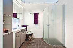 IDOn suihkukaappeja on saatavilla monenlaisiin tiloihin. #bathroom #bathroomdesign #interiordesign #homespa #scandinaviandesign #bathroomideas #bathroomsink #interiordecoration #toilet #sink #finnishdesign #bathroominspiration #ceramics  #bathroomidea #tap #washbasin #fauset #sanitary #porcelain #interiorideas #shower #showerhead #toiletseat #exhibition #modern