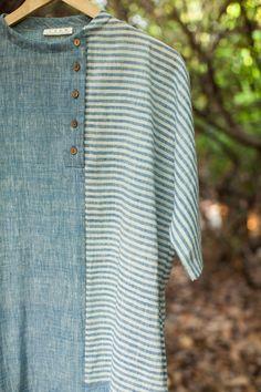 Sewing Clothes Tops Blouses Buttons Ideas For 2019 Kurta Designs Women, Blouse Designs, Hijab Abaya, Kurta Style, Kurta Neck Design, Kurti Patterns, Striped Fabrics, Indian Designer Wear, Sewing Clothes