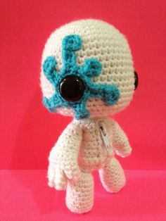 Crocheted Paint Splatter Sackboy by YOUnique Crafts.  like this. it's very creative and gives good ideas.