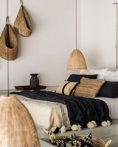 38 ideas for decor bohemian bedroom texture Home Bedroom, Bedroom Decor, Bedrooms, Master Bedroom, Airy Bedroom, Black Bedroom Furniture, Bedroom Corner, Bedroom Simple, Bedroom Rustic