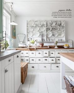 Small details give charm white decor of the kitchen. #Shabby #Chic #interior #design #rustic #decor #casadevalentina