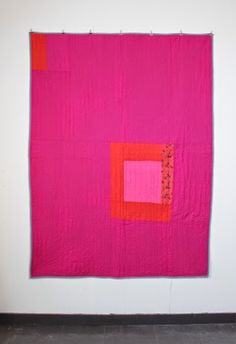 mūsu quilts: Single log cabin square in pink and red. Shot cotton and Liberty Tana Lawn.