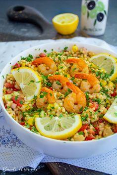 Salată de creveți cu cușcuș și multe legume   Bucate Aromate Paella, Ethnic Recipes, Meal Ideas, Frugal, Salad Recipes, Oven, Food, Group, Healthy