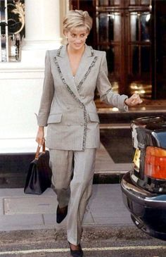 March 28, 1997: Diana, Princess of Wales after lunch with her stepmother, Raine Spencer at the Connaugh Hotel, Mayfair.