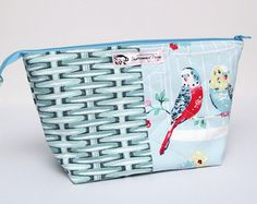 Large Zipped Pouch for Crafting Projects: This zipped pouch/bag has been made using Cath Kidston fabrics and is perfect for your knitting, crochet, hand sewing or other crafting projects. For the non-crafters out there, it could also be used to store toiletries and/or make-up.