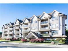 Apartment in Kelowna - keithpwatts.com -  #110 1965 Pandosy Street - $299900.00 - MLS® #: 10137098 - Contact: KEITH WATTS: 250-864-4241 - Welcome to this lovely well kept two bedroom two bath condo. It features an open floor plan with bedrooms separated - http://keithpwatts.com/kelowna-mls/