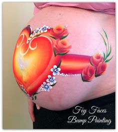 Heart's and flowers belly bump painting by Fey Faces Bump Painting, Pregnancy Art, Belly Bump, Baby Bumps, Watercolor Tattoo, Faces, Paintings, Tattoos, Flowers