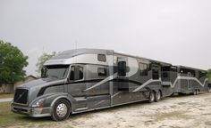 Volvo luxury motor coach....uhm.....talk about traveling in style!!!