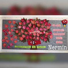 Cumhuriyet Bayramı panomuz Sustainable Design, Fabric Painting, Pre School, Interior Design Living Room, Design Trends, Diy And Crafts, 1, Classroom, Activities