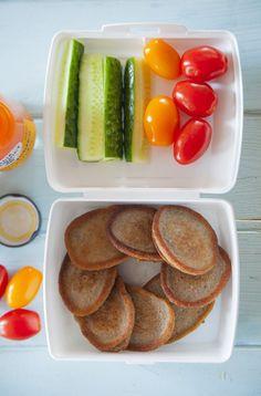 #Pomysł na drugie śniadanie do szkoły – placuszki bananowe z cynamonem - Lawendowy Dom Lunchbox Ideas, Tacos, Lunch Box, Meals, Ethnic Recipes, Food, Meal, Essen, Hoods