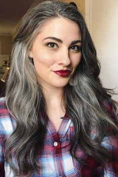 How to Get and Take Care Of the Salt And Pepper Hair Trend - Hair ColorWhat Is Salt And Pepper Hair ❤ Salt and pepper hair color is here to prove that going grey is the coolest thing a woman can have in her life. Dive into our gall Grey Hair Young, Long Gray Hair, Hair Color 2017, Curly Hair Styles, Natural Hair Styles, Grey Hair Natural, Grey Hair Inspiration, Transition To Gray Hair, Salt And Pepper Hair