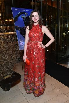 Anne Hathaway In Vintage Oscar de la Renta – 'Colossal' New York Premiere After Party