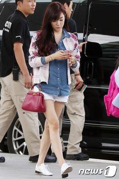 [130913] Tiffany at Incheon Airport Heading to Jakarta