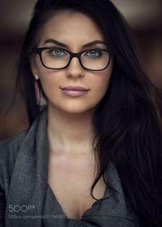 Ashley by Dani Diamond - Photo 217069577 / Cute Glasses, New Glasses, Girls With Glasses, Makeup With Glasses, How To Wear Makeup, Womens Glasses Frames, Fashion Eye Glasses, Wearing Glasses, Eyeglasses For Women