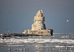 Whiskey Island, Cleveland, Ohio, USA  Frozen Cleveland Lighthouse (by albino)