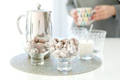 Receta de las galletas Blanco y Negro craqueladas. Una receta fácil para tu Thermomix ®.