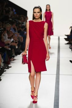 Elie Saab Spring 2014 Runway Review - theFashionSpot