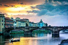Ak sa rozhodujete kam vybehnúť na pár dní, určite zvážte aj Florenciu. Talianský temperament, znamenité jedlo a víno, krásne úzke uličky, romantická atmosféra, káva, móda, zmrzlina…, mesto kt…