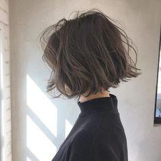 23 Fabulous Messy Bob Hairstyles For Girls - Molit Cute Bob Haircuts, Asymmetrical Bob Haircuts, Bob Hairstyles For Fine Hair, Hairstyles Haircuts, Pretty Hairstyles, Choppy Bob Hairstyles Messy Lob, Medium Permed Hairstyles, Celebrity Hairstyles, Short Haircuts