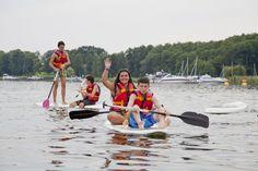 Invata limba germana si bucura-te de sporturile distractive de apa. Poti practica surfing, canoe, navigatie si multe alte tipuri sporturi alaturi de copii de varsta ta! Contacteaza-ne pentru tabara potrivita aptitudinilor tale! 👉 www.mara-study.ro ✍ office@mara-study.ro 🤳 0736 913 866 #borntotravelwithmarastudyturism #reachoutyourpotential Badminton, Catamaran, Surf, Brandenburg, Surfing, Surfs, Surfs Up, Catamaran Yachts