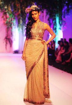 India Bridal Fashion Week 2013: Falguni & Shane Peacock saree