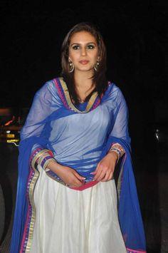 Huma Qureshi at Ekta Kapoor's Diwali Taash bash in Juhu, Mumbai Hot Images Of Actress, Actress Pics, Prettiest Actresses, Beautiful Actresses, Beautiful Bollywood Actress, Most Beautiful Indian Actress, Huma Qureshi, 1080p, Indian Look